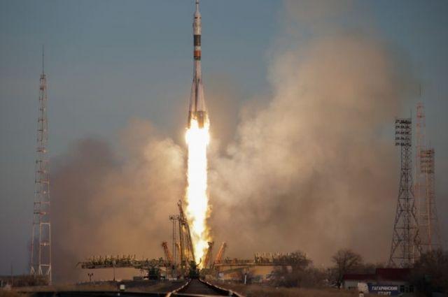 Взлет ракеты-носителя.