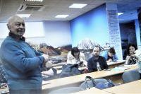 Студент Сергей Михайлович среди однокурсников.