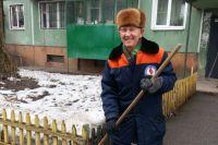 Анатолий Несмеянов на ногах по пять-шесть часов в день и здоров не по возрасту.