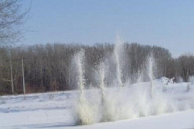 В Илекском районе на реке Урал подорвали лед