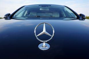 Житель Немана оставил Mercedes в автосервисе, а вечером увидел на дороге