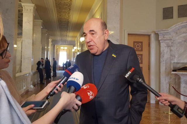 Рабинович: Для власти нужно учредить новый праздник – День наперсточника