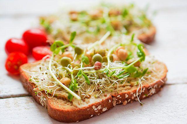 Витаминная добавка. Как проращивать семена и в какие блюда их класть?
