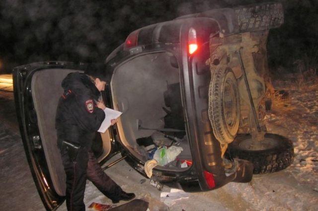 Пьяный комсомольчанин угнал авто и попал на нем в ДТП.