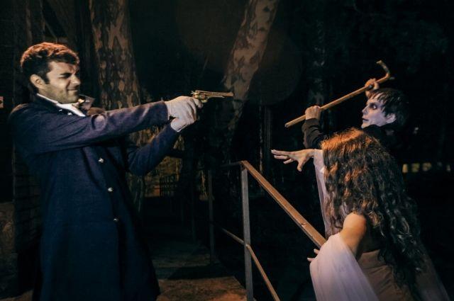 Жуткую историю про невесту. жениха и вампира разыграли вблизи базы отдыха под Челябинском.