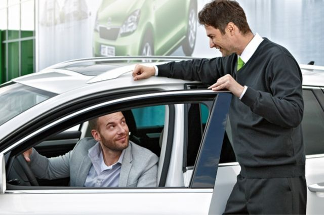 Автомобили модельного ряда ŠKODA: SUPERB, KODIAQ, RAPID и OCTAVIA доступны на тест-драйве семь дней в неделю.