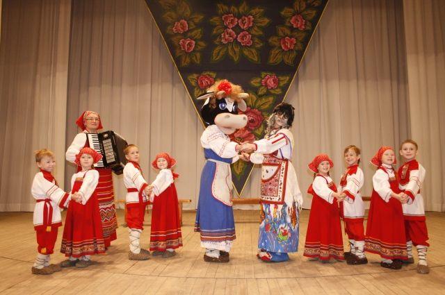 Фольклорные традиции в исполнении творческого коллектива «Береника».