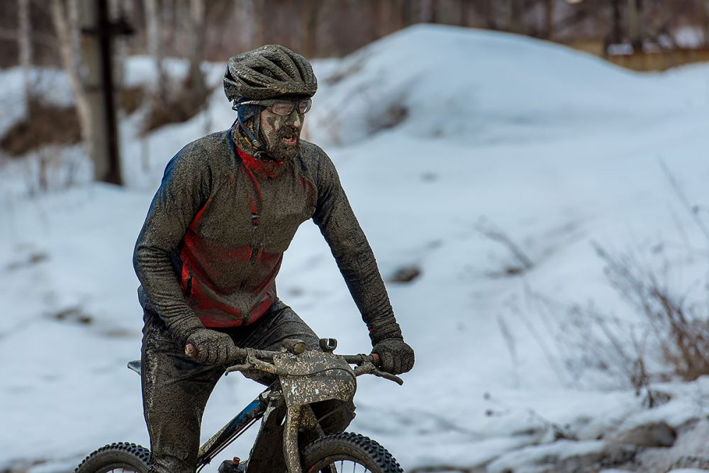Дмитрий Кукла (г. Екатеринбург). Вице-лидер гонки на 43 км. среди мужчин-мастеров.