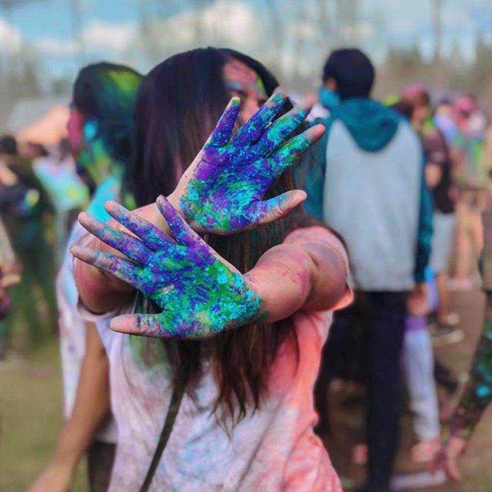 Индия отмечает один из самых ярких национальных праздников – весенний Фестиваль красок Холи.