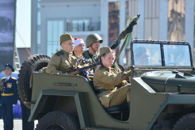 Всего 9 Мая по Красному проспекту мегаполиса проедет примерно 50 единиц военной техники.
