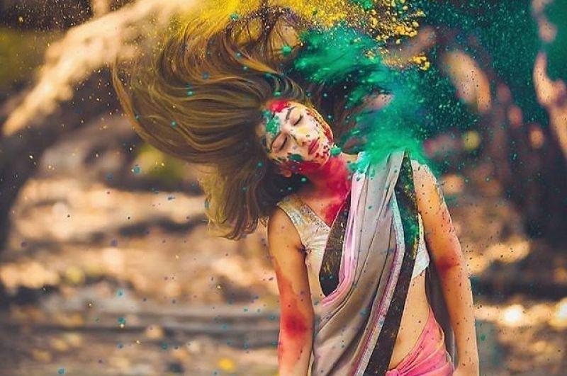 Праздник красок Холи не имеет определенной даты - торжество ежегодно отмечают во время полнолуния месяца Пхальгуна (12-й месяц в Едином индийском календаре)