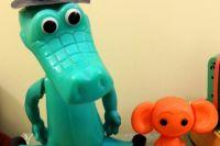 В музее тюменской школы собрали игрушки, произведенные на местных заводах