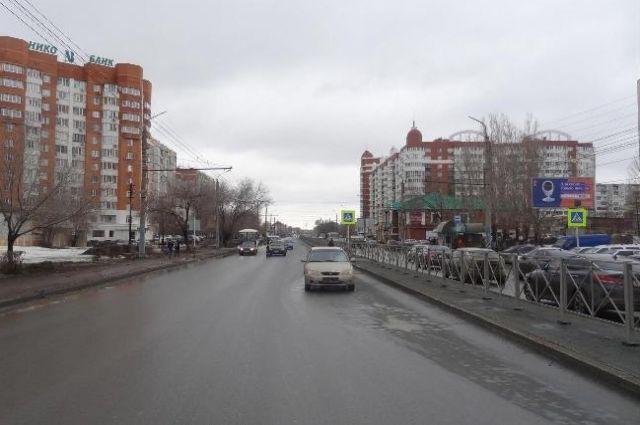 В Оренбурге водитель Kia сбил 19-летнюю девушку на «зебре»