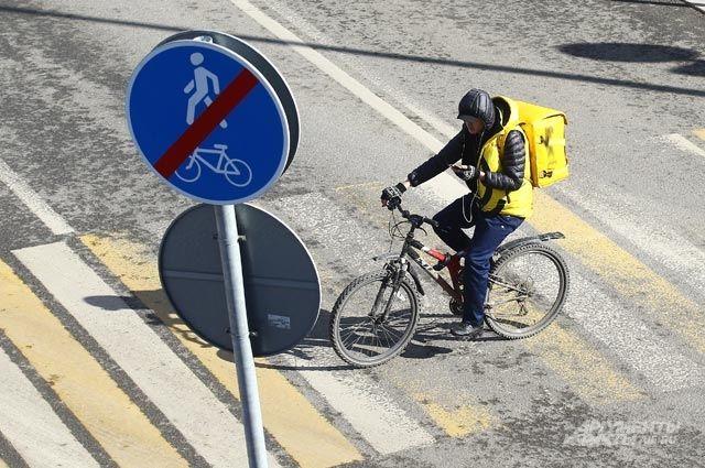 По «зебре» нужно переходить дорогу, а не переезжать!