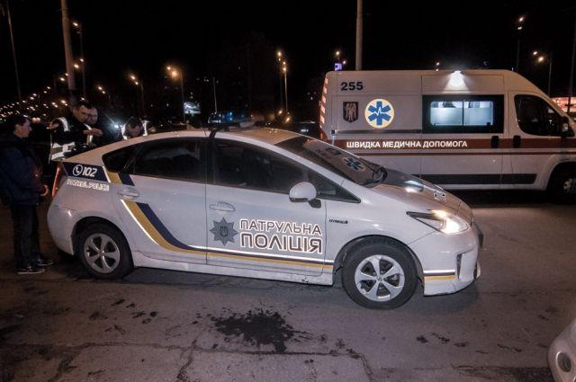 Пьяный водитель Toyota убегая от полиции, врезался в автомобиль Mercedes.