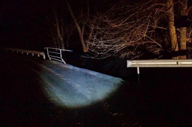 В Нестеровском районе Ford упал с моста