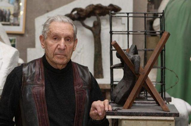 - Главное, чему меня научила война, - это ненавидеть войну, - говорит Григорий Данилович.