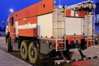 В Оренбургском районе 40 пожарных тушили жилой барак