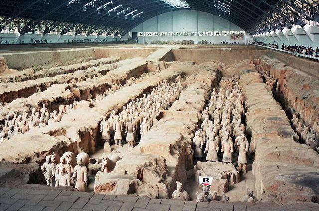 Гробница первого императора династии Цинь.