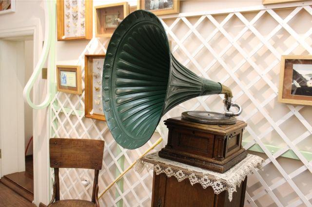 Иглы граммофона хватало на десяток воспроизведений.
