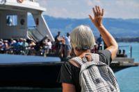 Свободного времени на пенсии больше, и можно, например, организовывать экскурсии для таких же пожилых людей.