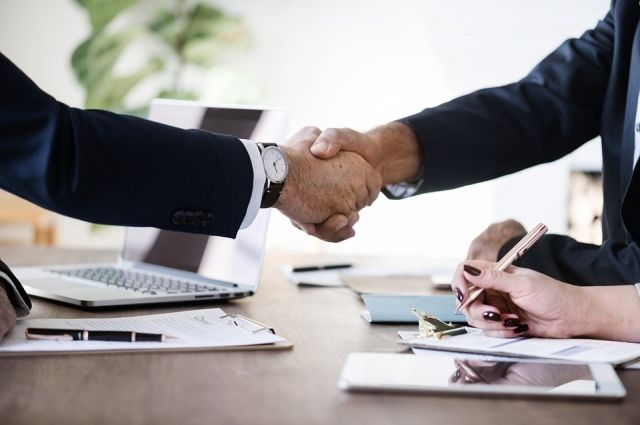 Агентство помогает попавшим в беду предпринимателям избавиться от давления влиятельных конкурентов и мирным путём урегулировать конфликт.
