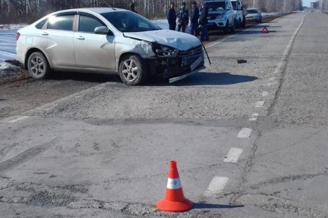После ДТП семилетняя пассажирка «Лады» попала в больницу с переломом бедра.