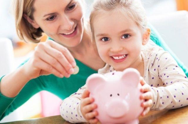 В Фонде страхования предупредили о задержке декретных и больничных выплат