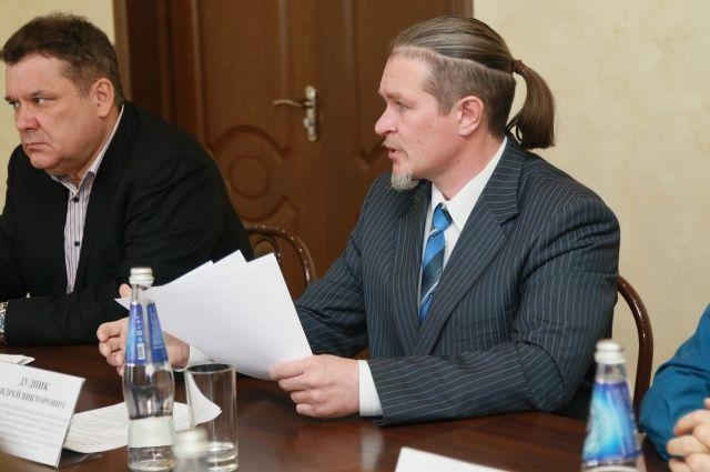 Президент Федерации рафтинга и спортивного туризма Алтайского края Андрей Дудник (справа)