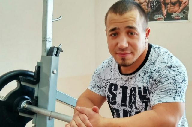 Рустам Зиннатуллин – действующий чемпион мира по пауэрлифтингу