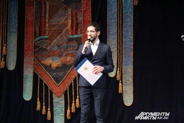 Один из режиссёров, Пётр Нестеренко, представит эскиз