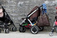 «Уберите все свое барахло»: тюменка возмутилась, что некуда ставить коляску