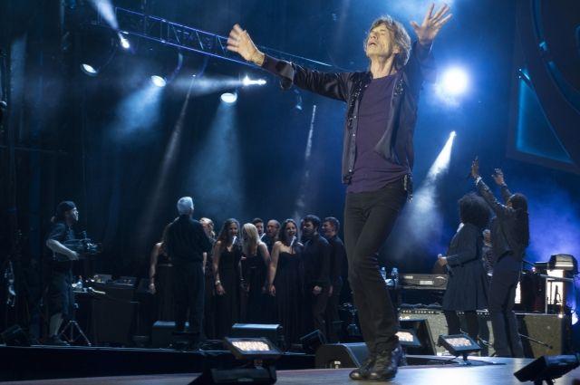 Группа The Rolling Stones отложила собственный концертный тур поСША иКанаде