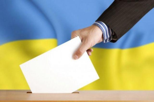 Во втором туре будут принимать участие двое кандидатов, которые набрали наибольшее количество голосов избирателей.