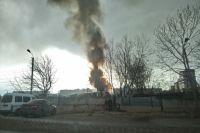 Трамвайное депо охватило огнем в Хабаровске.
