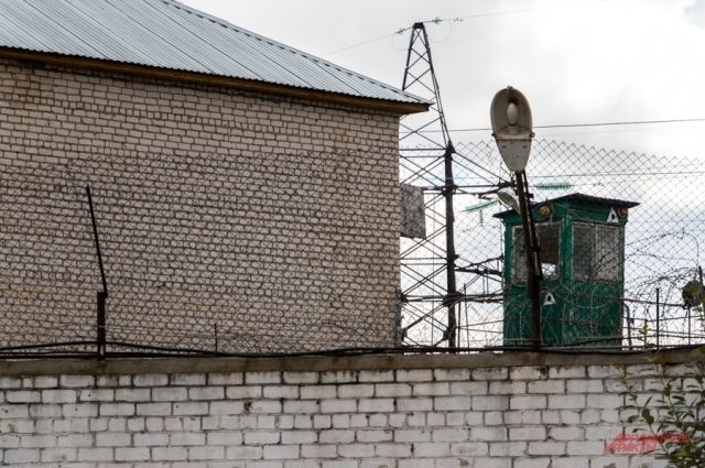 За колючей проволокой осуждённые производят много полезных и нужных товаров.