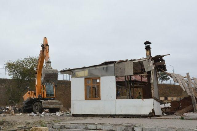 Дома и магазины-самострои снесут в Хабаровске.