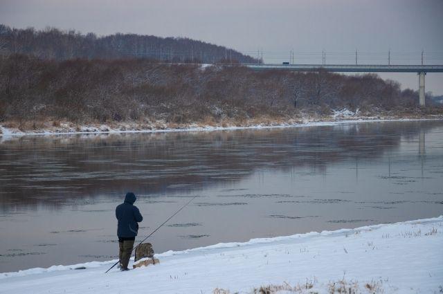 В Калининградской области в конфликте рыбаков за место жертвой стал автомобиль