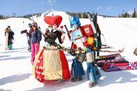 В рамках «Grelka Fest» пройдет карнавальный спуск с горы.