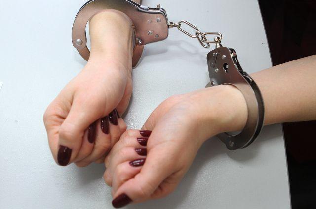 Полицейские задержали жительницу Гусева, угрожавшую убить мужа