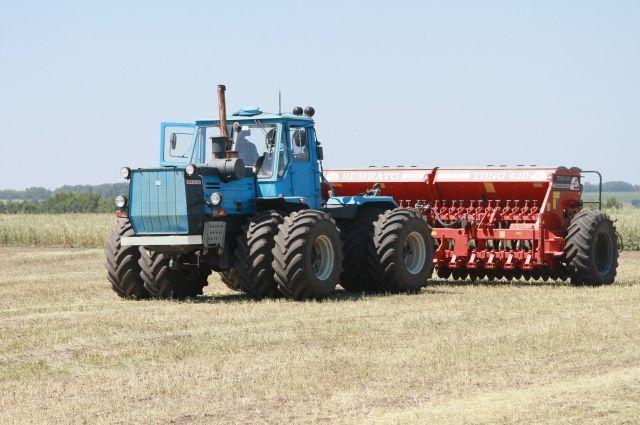 В Тюменской области сельскохозяйственная техника готова выйти на поля