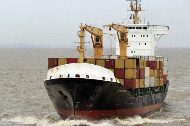 Нигерийские пираты напали на судно с украинскими моряками на борту и захватили их в заложники.