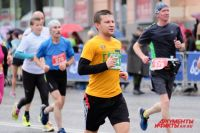 По просьбам участников планируется пересмотреть трассу марафона на длинные дистанции – 42,195 км, 21,1 км, 10,5 км. Из неё исключат Северную дамбу, её заменят другим участком