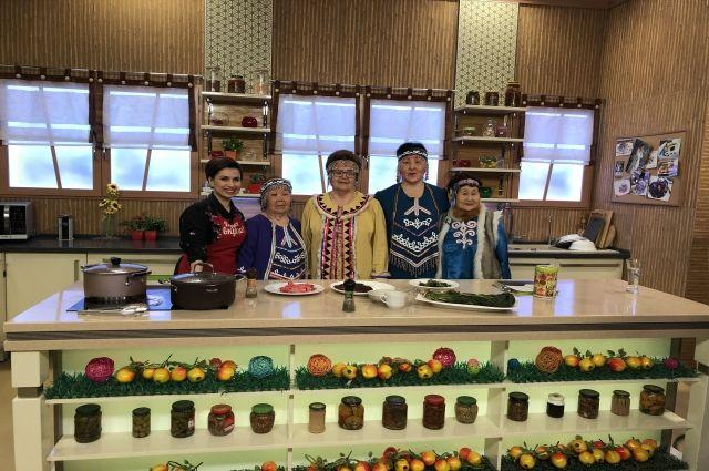 Волонтеры МТС собрали и опубликовали сборник рецептов эвенкийской кухни.