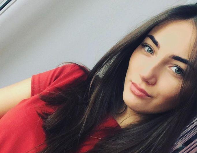Стрелкова Анастасия. 22 года. Место работы - ООО