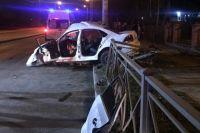 На Гагарина Volkswagen въехал в столб: пассажирка погибла, водителю ампутировали руку