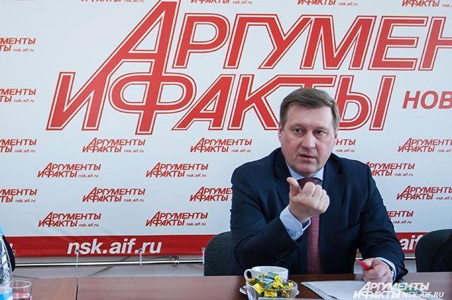 23 апреля 2014 года Анатолий Локоть принял присягу и вступил в должность мэра Новосибирска.