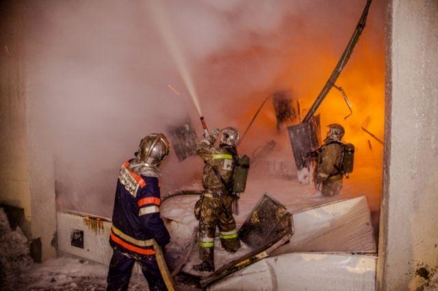 За три месяца ямальские пожарные спасли 79 человек