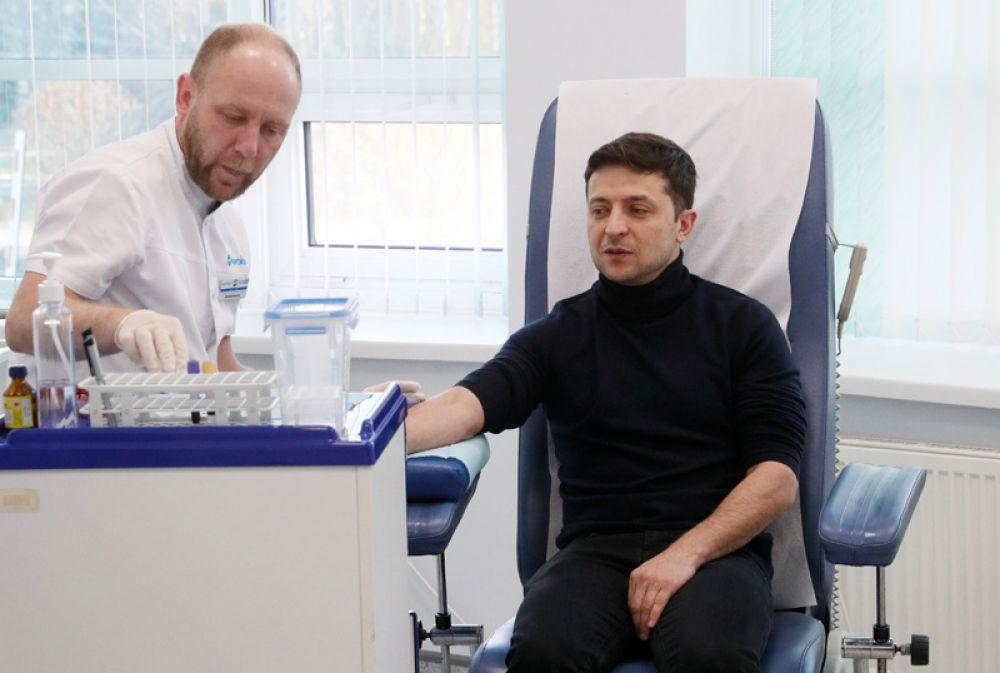 Зеленский сдал свои анализы в одной из частных клиник.