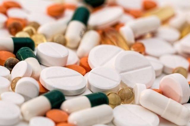 Лекарства нужно принимать правильно.